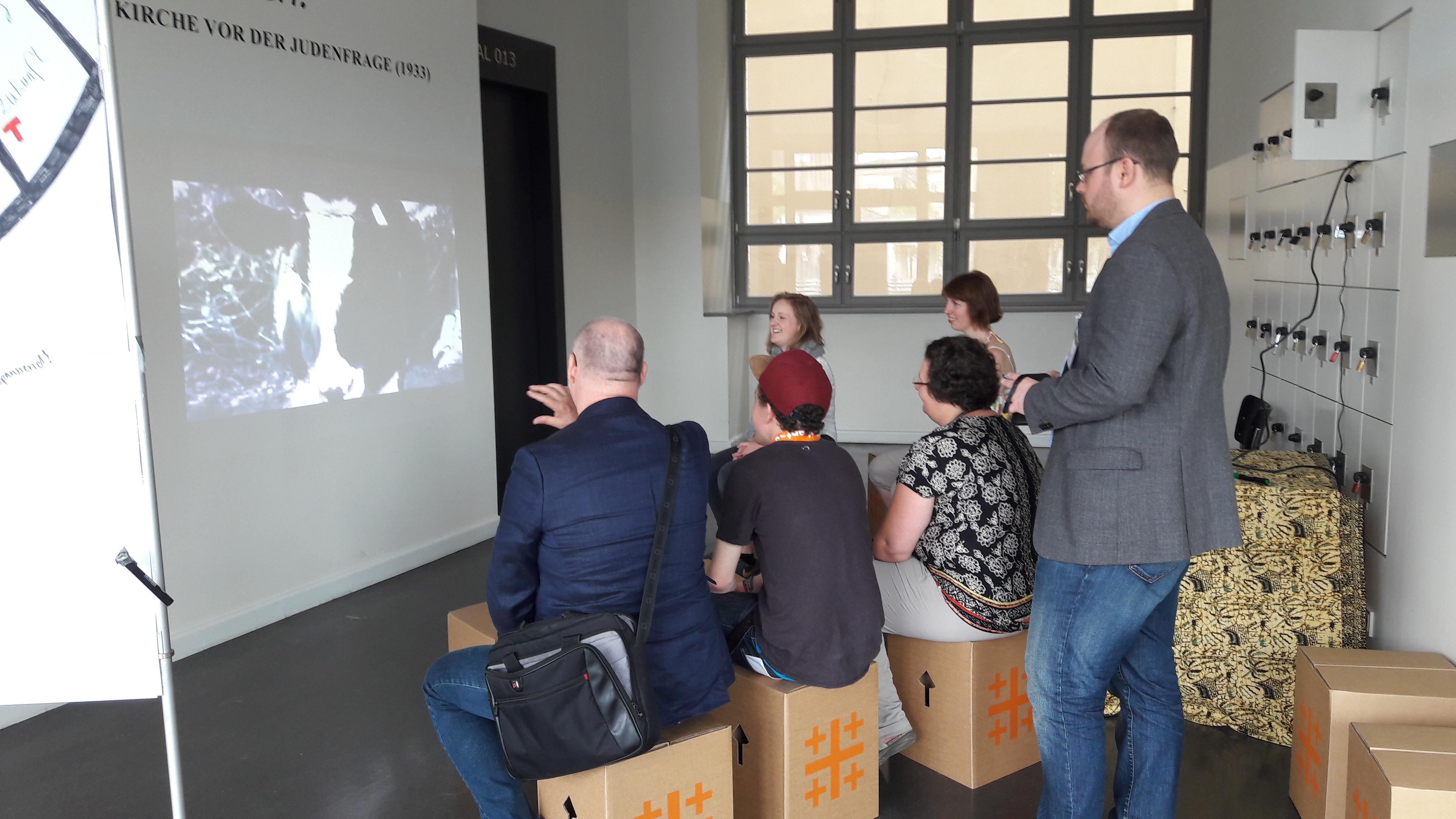 Ausstellung: Hiwarat (حِواراتْ). Religion und Migration im Dialog (Benjamin Kryl)