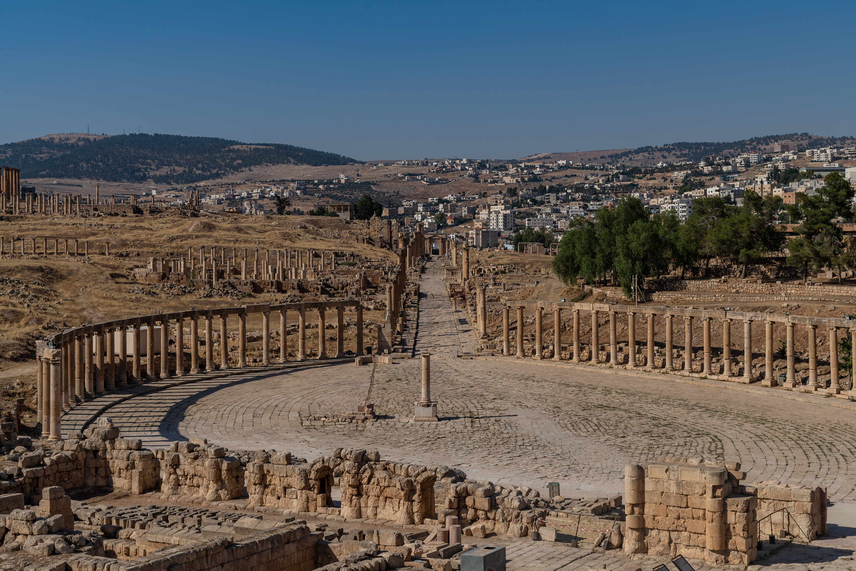 Jerash Cardo Maximus.jpg